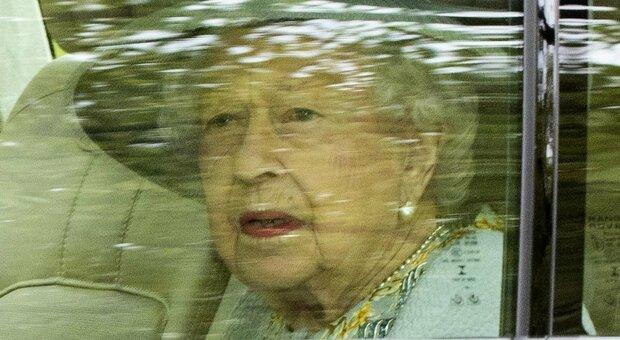 Elisabetta parla alla nazione ai Lord: «Così risolleveremo il Regno dopo la pandemia»