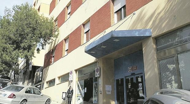 Ancona, il Salesi perde pezzi: scoppia il rogo in ascensore, allarme in Chirurgia