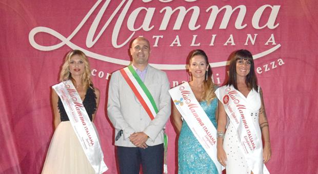 Miss Mamma Italia: va a Stella Claudia la fascia del Sorriso. Ma le sfilate non sono finite