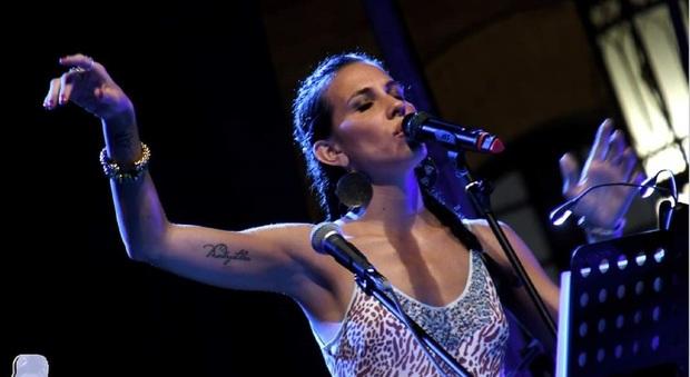 La cantautrice ascolana Elisa Carillo, in arte Elis