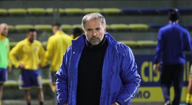 Giovanni Cornacchini, allenatore della Fermana