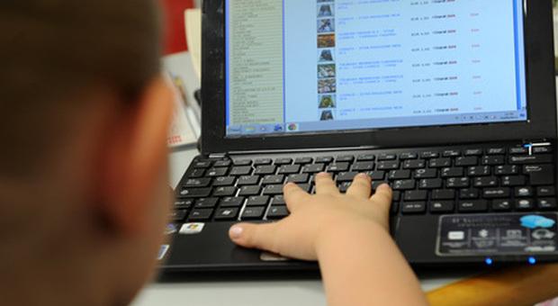 Con il lockdown sono aumentati i pericoli informatici per i minori