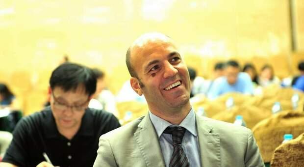 Jacopo Negri, presidente dei tecnici sanitari di radiologia: «Tac fondamentali per stanare il Covid». Malati sempre più giovani