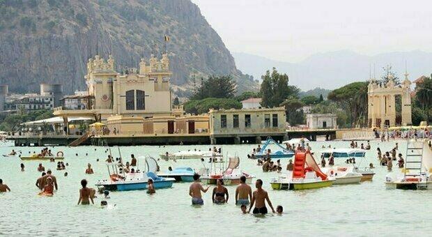 Sicilia zona gialla, l'affondo del Prefetto: «Molti non vogliono indossare la mascherina»