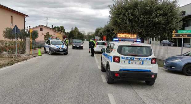 Controlli della polizia nei confini della provincia