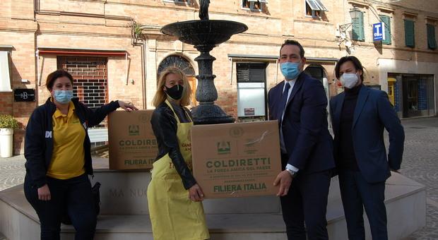Coldiretti Ancona, a 9 famiglie di Castelfidardo i pacchi della solidarietà di Campagna Amica