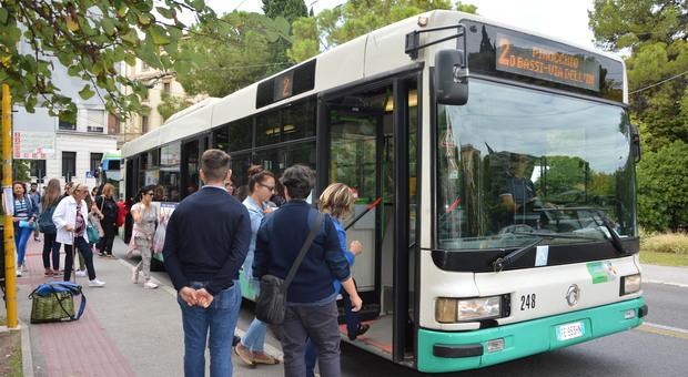 Un mezzo della Conerobus