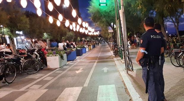 Movida molesta sul lungomare: chiuso un mese un locale per l'alcol ai ragazzini e tre giorni un altro per i balli proibiti