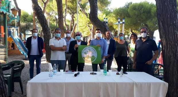 Il conferimento della Bandiera Verde 2020 a Cupra Marittima da parte del professor Italo Farnetani