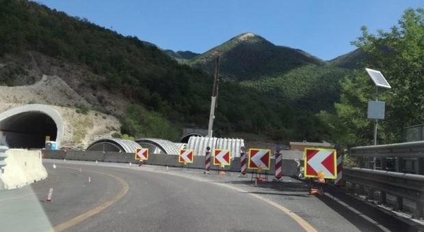 Riparte il cantiere per il raddoppio della Statale 76: operai al lavoro per realizzare lo svincolo nell area di Borgo Tufico