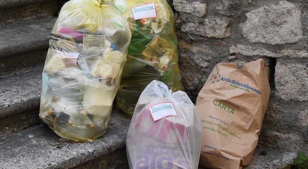 Ascoli, tassa rifiuti: letterina di Natale ai 22mila che ancora non l'hanno pagata