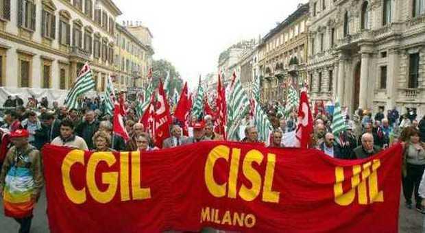 Marche, tutti gli appuntamenti per lo sciopero generale di venerdì