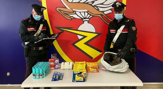 Specialisti nei furti nei centri commerciali fermati dai carabinieri: scattano le denunce