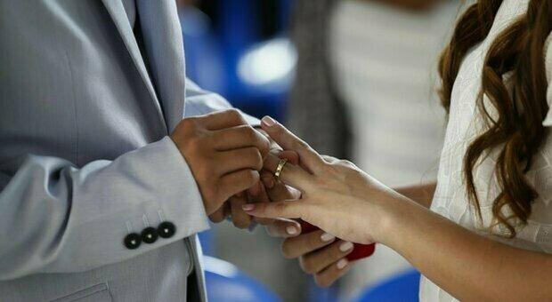 Matrimoni, il Green pass serve o no? Il giallo dei ricevimenti anche in zona bianca