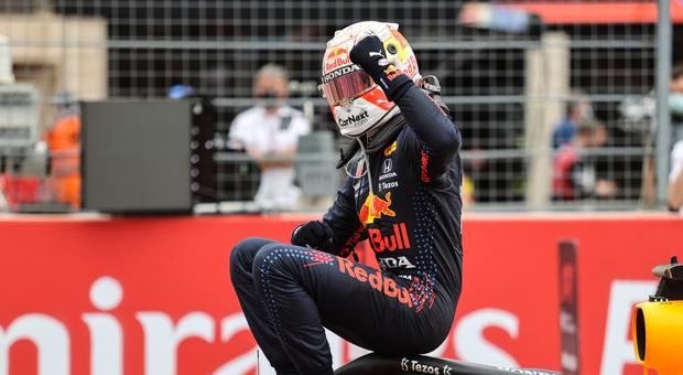 GP Francia, diretta: Verstappen tenta lo strappo, ma Hamilton lo bracca