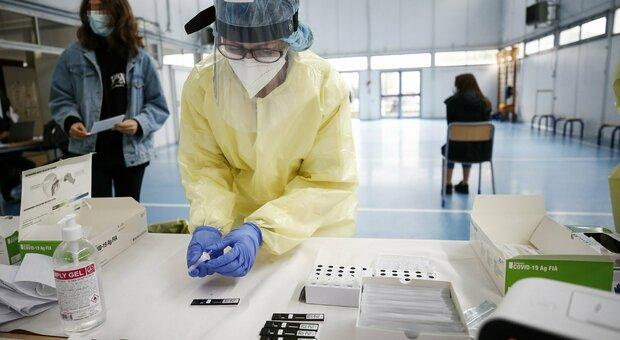 Ascoli, ancora morti: il coronavirus si porta via un ex  professore e una casalinga
