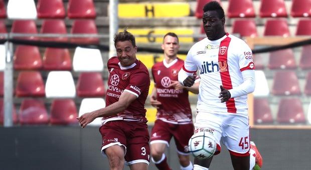 Serie B, Balotelli entra e fa doppietta: il Monza mantiene il Lecce davanti alla Salernitana. Entella in C