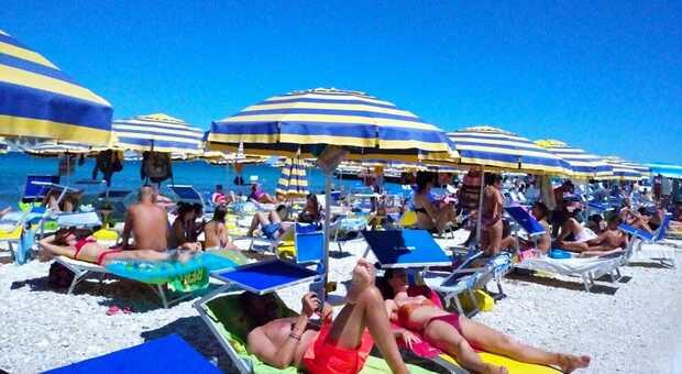 Boom di prenotazioni negli stabilimenti di Portonovo