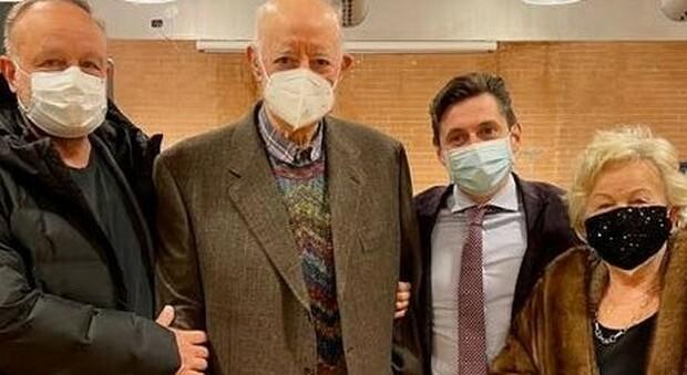 Anche il popolare allenatore Carletto Mazzone fa il vaccino contro il Coronavirus
