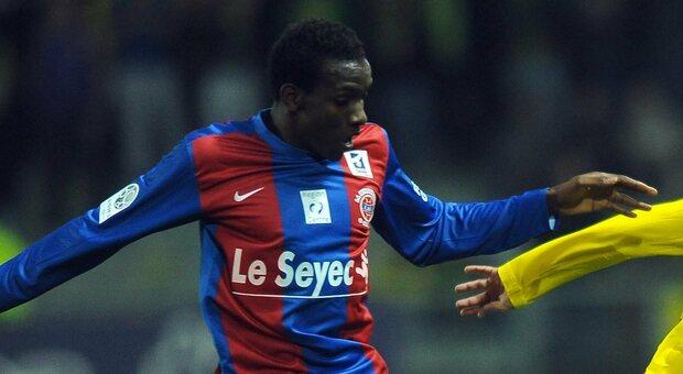 Christopher Maboulou morto a 30 anni: infarto durante una partita. Calcio francese sotto choc