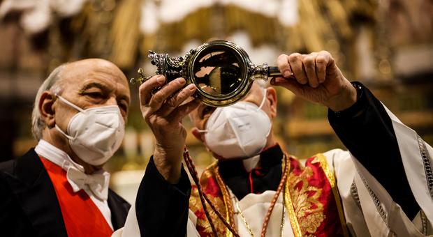 Napoli, il sangue di San Gennaro non si scioglie di nuovo. Battaglia: «Ma è sempre vivo nella sofferenza»