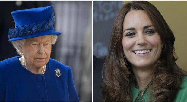 Regina Elisabetta, l'osservazione «pungente» sulle vacanze esotiche di Kate Middleton