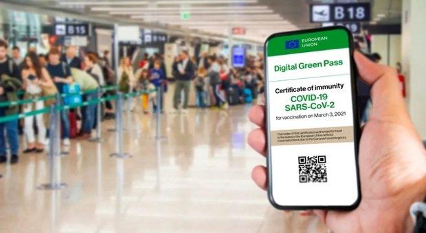 Green pass europeo per i viaggi, disponibile già da domani: «Valido dopo 14 giorni da ultima dose vaccino o 180 giorni per i guariti»