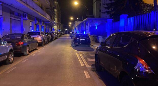 I carabinieri accorsi sul luogo del tentato scippo