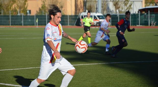 Mario Titone con la Recanatese: l'attaccante è pronto al debutto in Eccellenza con il Valdichienti