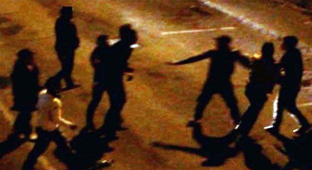 Comunanza, scontro con spranghe e coltelli: convalidati i 6 arresti