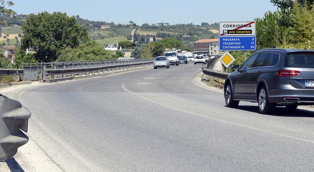 Corridonia, in contromano sullo svincolo: è la terza volta in pochi giorni nella stessa superstrada