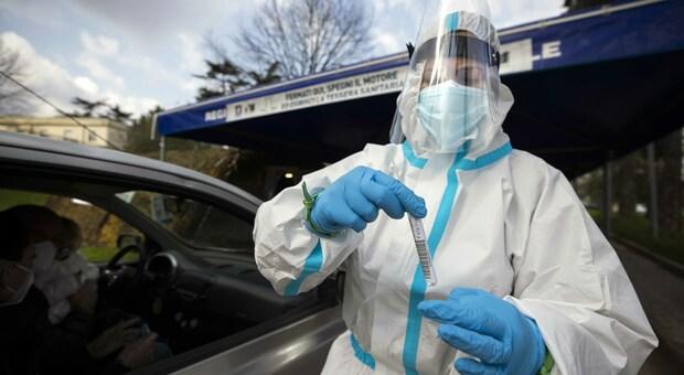 Coronavirus in Italia, il bollettino di giovedì 11 marzo: 373 morti e 25.673 casi in più. I positivi sono quasi 500mila
