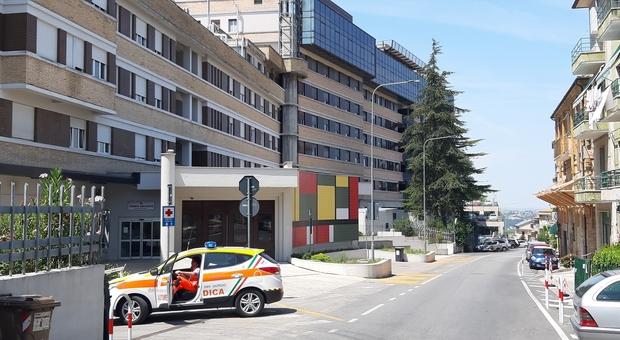 Pronto soccorso al collasso, Cesetti in pressing sulla Regione: «Manca il personale, dirottano anche le ambulanze»
