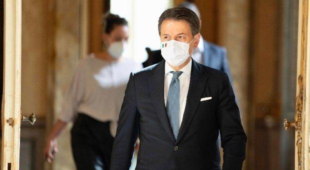 Conte avverte: «Sta arrivando impennata di contagi anche da noi, servono altri sacrifici»
