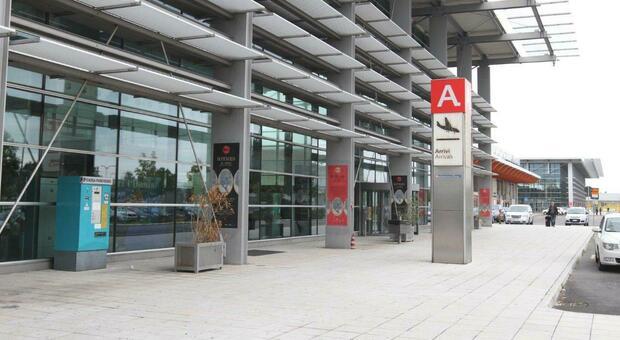 Per il rilancio dell'aeroporto anche la destinazione-Grecia: ma solo nel 2022 con il bando regionale
