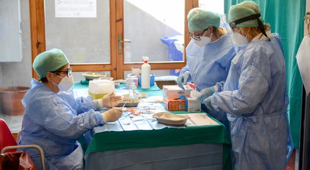 Vaccini, negli hub di Civitanova e Piediripa primi appuntamenti ad agosto: ecco come sarà gestito il servizio