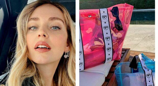 Chiara Ferragni lancia la sua borsa da mare: cult per l'estate 2021, ma il prezzo delude i fan. «Troppo cara»