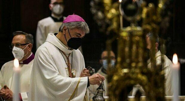 Napoli, San Gennaro: il sangue si scioglie. Ripetuto il miracolo dopo quasi una giornata di preghiere