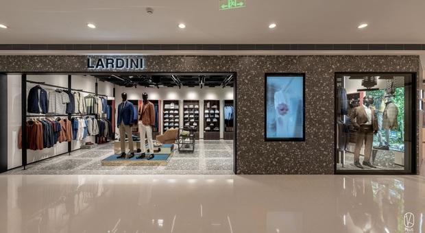 Lardini, nuovi orizzonti: aperta la prima boutique monomarca in Cina. Ecco dove