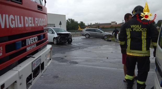 Serra de' Conti, scontro sulla Provinciale Tre persone ferite portare al pronto soccorso