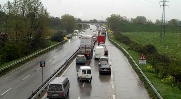La superstrada 77 che collega Foligno a Civitanova Marche