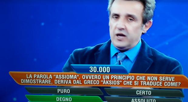 L'eredità, la concorrente sbotta in diretta: «Lo brucio...». Flavio Insinna s'infuria: «Non si fa»