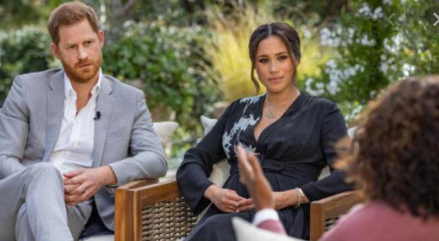 Meghan Margle e il principe Harry, paura nella villa in California: nove chiamate alla polizia in nove mesi