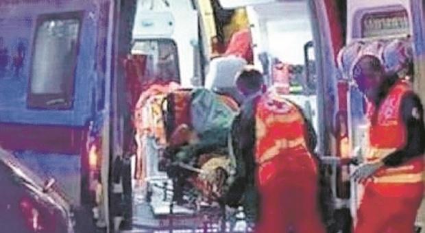 Tolentino, ustionato alle gambe e alle bracia mentre lavora in azienda: grave un operaio