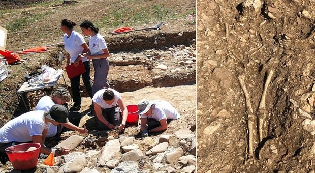 Eccezionale scoperta nel tumulo: il principe guerriero riemerge dal sono lungo 2.600 anni