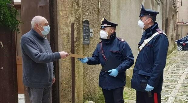 I carabinieri accanto agli anziani: la consegna delle pensioni