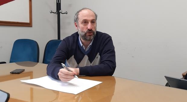 Il sindaco nelle trincea Covid: «Febbre alta ma respiro bene». Positivo un altro assessore