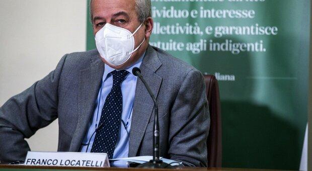 Vaccino anti Covid, Locatelli indica la luce in fondo al tunnel: «A fine estate saremo fuori da questo incubo»