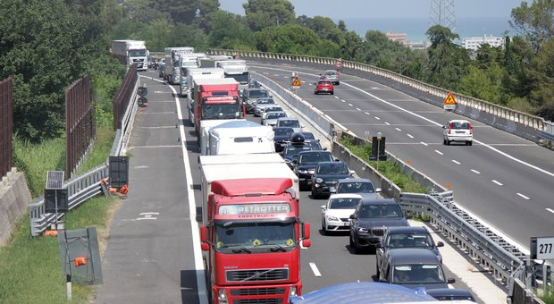 Terza corsia Sud in A14: ufficiale il tavolo tecnico tra Regione e Autostrade. Baldelli: «Si valuteranno anche percorsi alternativi»