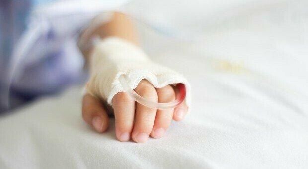 Piccola paziente ricoverata a Firenze in terapia intensiva per covid